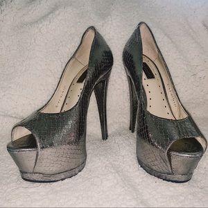TOPSHOP Silver Snakeskin Platform Heels Size 40
